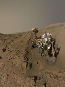 curiosity-rover-selfie-Windjana-holes-PIA18390-br2